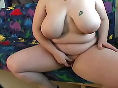 BBW shows her pussy n gets rubbed