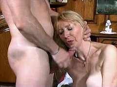 Aged blonde mom fucks n gets facial
