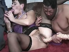 Mom sucks cock n gets dildo in orgy