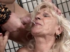 Granny gets facial after hard fuck