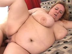 Obese woman fuck by man in bedroom