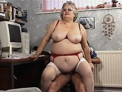 Fat granny gets titsfuck and fucks