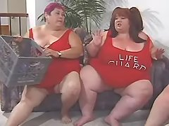 Foreplay of tremendous fat lesbians